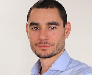 Alexandre Raphel,Chasseur de talents